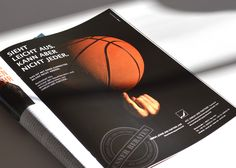 Die renommierte Steuer- und Wirtschaftsprüfer-Kanzlei Unruh, Johne und Partner bekommt eine spezielle Imagekampagne! Als Partner und Berater der Bundesliga-Basketballer von ratiopharm ulm schaltet das Unternehmen die Anzeigenserie in Magazinen und Out-of-home. Alle bisherigen Motive und weitere Infos gibt's hier zu sehen…