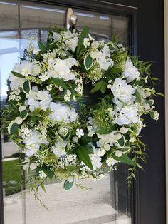 Elegant Hydrangea Greenery Wreath, Simple Farmhouse Wreath, Everyday Home Decor, Wedding Decorations – Grapevine Wreath İdeas. Hydrangea Wreath, Greenery Wreath, Grapevine Wreath, Floral Wreath, Poppy Wreath, Magnolia Wreath, Year Round Wreath, Wedding Decorations, Decor Wedding