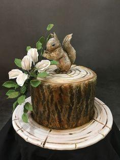 Handpainted Squirrel log cake by Sue Deeble Wood Cake, Beautiful Cakes, Amazing Cakes, Fondant Cakes, Cupcake Cakes, Seven Up Cake, Squirrel Cake, Tree Stump Cake, Single Tier Cake