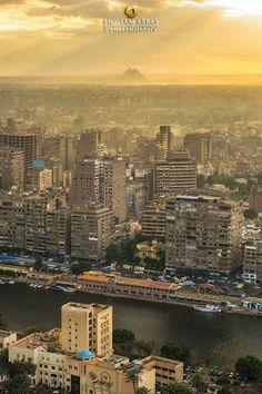 مصور عبقري  استطاع ان يجمع بين النيـــل واهرامات الجيزة في صورة واحدة  Nile & Pyramids in one picture  تصوير  Hossam Abbas