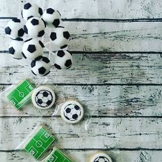 #letsplayfootball #cakepops #cookies #soccer #football #ποδοσφαιρο #μπισκοτα #partytheme #candybar #sugartina #sugartinascakesandthings Candy, Cookies, Instagram, Crack Crackers, Biscuits, Sweets, Cookie Recipes, Candy Bars, Cookie