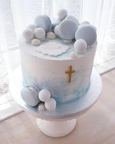 """128 kedvelés, 2 hozzászólás – Kézműves Tortaműhely-Buzás Ági (@kezmuvestortamuhely) Instagram-hozzászólása: """"#cake #torta #macarons #vince #keresztelő #babyblue #kézművestortaműhely"""" Birthday Cake, Desserts, Instagram, Food, Tailgate Desserts, Deserts, Birthday Cakes, Essen, Postres"""