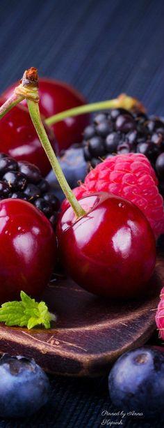 Fruits Photo Fruit, Fruit Picture, Fresh Fruits And Vegetables, Fruit And Veg, Berry, Fruits Photos, Fruit Photography, Beautiful Fruits, Exotic Fruit