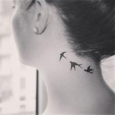 Tatuajesfemeninos Galería de las mejores imagenes de tatuajesfemeninos Los tatuajes femeninos se retrotraen a tiempos inmemoriales, siendo frecuente en antiguas religiones paganas que sus sacerdotisas se tatuasen con un sentido ritual. Por otra parte, también se puede detectar un uso de tatuajes que igualmente se remonta milenios atrás en mujeres que llevaban un estilo de