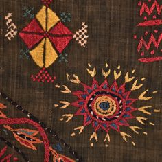 Fragment from Zproastrian shawl Circa: C Origin: Gujarat, India Balochi Dress, Tribal Fashion, Shawl, Ethnic, Textiles, Birds, India, Embroidery, Stitch
