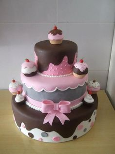 Cupcake cake Design or this! Pretty Cakes, Cute Cakes, Fondant Cakes, Cupcake Cakes, Novelty Cakes, Occasion Cakes, Girl Cakes, Fancy Cakes, Love Cake