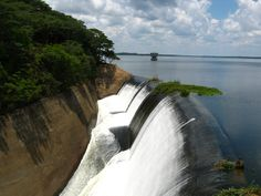 Lake McIlwaine - the reservoir dam - we used to go water skiing there, well away from the banks, though, bilharzia & the odd croc ! Best Memories, Childhood Memories, Moving To The Uk, Victoria Falls, All Nature, Places Of Interest, East Africa, The Good Old Days, Continents