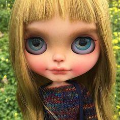 Welcome Spring!  #erregiro #erregirodolls #bigeyes #blythe #doll #boneca #muñeca #custom #blythedoll #carving #poupée #makeup #sculpt #maquillaje #instadoll #haircut #手首 #ブライズ #fashion #moda #ブライスドール #art #diseño #design #instablythe #arte #arttoy #toy #primavera #spring