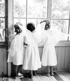 Des ailes d'ange pour vos adorables enfants d'honneur _ Les étoiles grises. Photo Franne Voigt