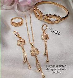 Pick above korean combo only Free ship👌🏻👌🏻👌🏻👌🏻 . For orders whatsapp no 9789841448 . Jewelry Design Earrings, Gold Earrings Designs, Gold Jewellery Design, Gold Fashion, Fashion Jewelry, Gold Chain Design, Gold Pendent, Gold Mangalsutra Designs, Ankle Jewelry
