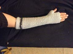 Crochet arm warmer