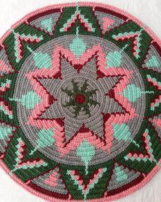 Motif Mandala Crochet, Tapestry Crochet Patterns, Loom Bands, Crochet Handbags, Crochet Purses, Peyote Patterns, Loom Patterns, Bag Pattern Free, Native American Beading