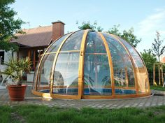 Pool enclosure ORIENT fits great especialy on round pools Swimming Pool Enclosures, Swimming Pool Designs, Swimming Pools, Patio Enclosures, House Deck, Dome House, Retractable Pool Cover, Ideas De Piscina, Kleiner Pool Design