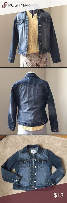 """Old Navy Faded Wash Denim Jean Jacket Old Navy Faded Wash Denim Jean Jacket. In great condition. Size XS measures: 14"""" across shoulders, 18"""" across chest, 21"""" long, 22.5"""" sleeve. 100% cotton. 1216/50/091117RL Old Navy Jackets & Coats Jean Jackets"""