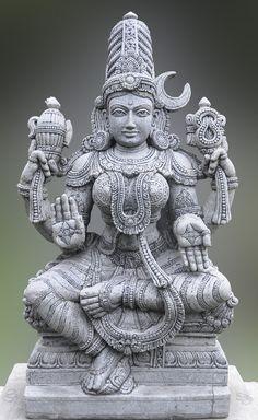 Parvati statue - The wife of Shiva and a benevolent aspect of Devi: Hindu goddess of plenty. Shiva, Krishna, Mandala Chakra, Buddha, Hindu Statues, Indian Temple, India Art, Hindu Deities, God Pictures