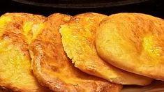 Πιτάκια στο φούρνο με γιαούρτι! Ένα υγιεινό και εύκολο κολατσιό Snack Recipes, Snacks, French Toast, Food And Drink, Health Fitness, Pizza, Chips, Sweets, Bread