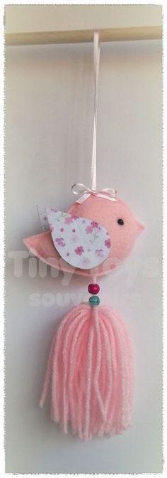 61 Ideas Baby Shower Nena Banderin For 2019 Felt Crafts, Fabric Crafts, Diy And Crafts, Arts And Crafts, Baby Shawer, Felt Patterns, Felt Ornaments, Felt Flowers, Sewing Projects