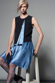 Giorgio Armani Pre-Fall 2015 Fashion Show