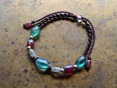 フローライト×トルマリン/天然石ビーズブレスレット - 天然石アクセサリー通販|ARTEMANO(アルテマノ) Hemp Jewelry, Macrame Jewelry, Macrame Bracelets, Gemstone Jewelry, Jewelry Bracelets, Handmade Jewelry, Knotted Bracelet, Bracelet Knots, Beaded Necklace