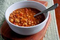 Quick and Easy Buffalo Chicken Chili | Our Family Eats www.ourfamilyeats.com #glutenfree #dairyfree #sugarfree #footballfood #party #crowd #recipe