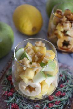 Salade de fruits, sauce au caramel et fruits de la passion