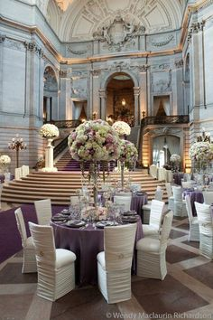 Elegant. San Francisco City Hall. In looooove with the colours!