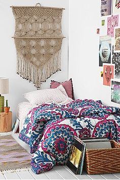 Plum  Bow Mia Medallion Twin XL Bed-In-A-Bag Snooze Set - Urban Outfitters. I think I'm getting this for my dorm room