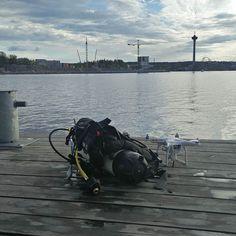 Löytyi sieltä yksi drone kymmenestä metristä. Toivottavasti oli se jota etsittiin #sukellus #drone #sukellusdrone