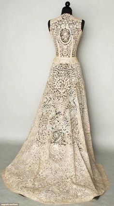 1940's wedding gown. Not something I would wear to my own, but it is a beautiful object.