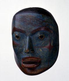 Máscara Retrato de mujer noble con LabretThe Tlingit máscara representa a una mujer y le muestra llevando un labret, labio u ornamento, en el labio inferior.  Cuando una niña alcanza la pubertad su labio inferior estaba perforado y un labret se adjunta.  El gran tamaño de este labret es un signo de su alto rango.  1830-50 Fenimore Art Museum