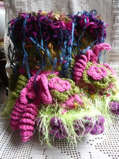 Hey, I found this really awesome Etsy listing at https://www.etsy.com/listing/513966687/magic-handknit-woman-slippers-green-pink