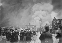 San Francisco earthquake. Crowd watching fire