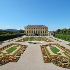Worth a visit. If you are in Vienna, Austria need to visit Schoenbrunn Palace / <> That's castle & garden in front of it. 💯🇦🇹 #Vienna_city #Sunshinestate #IgersNewyork #SoHo #IgersNYC  #Australia #Londoner #Sanfran #IgersLondon #DallasTX #CaliforniaLife #Coachella #CaliforniaLiving  #BellaItalia #MUC #SoFlo #SouthernCalifornia  #ParisMaville #LaFrance  #WeHo #Francais #NashvilleTN #Hollywoodlife #DiscoverLA #Lajolla #CaliforniaDreaming #LALife #Hollywoodhills #DTLA #rodeodrive…