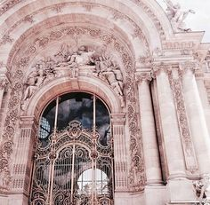 Image discovered by 𝐲𝐚𝐬𝐦𝐢𝐧. Find images and videos about pink, aesthetic and pastel on We Heart It - the app to get lost in what you love. Beautiful Architecture, Beautiful Buildings, Art And Architecture, Beautiful Places, Classical Architecture, Beautiful Pictures, Rose Gold Aesthetic, Photocollage, Palaces