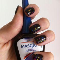 Masglo is a Colombian nail polish brand. The first brand I used, sniff, sniff. Nail Polish Brands, Brand Me, Nails, Beautiful, Black Enamel, Fingernails Painted, Fingernail Designs, Spikes, Finger Nails