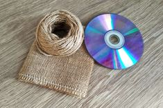 1 million+ Stunning Free Images to Use Anywhere Jute Crafts, Diy And Crafts, Denim Flowers, Cd Art, Free To Use Images, Diy Wreath, Holiday Crafts, Beach Mat, Upcycle