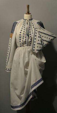 Romania, Bridal Dresses, Embellishments, Folk, Victorian, Costumes, Embroidery, Country, Fashion