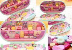 Polly Pocket, my childhood!! I wonder if I kept these!!! Had this exact one!
