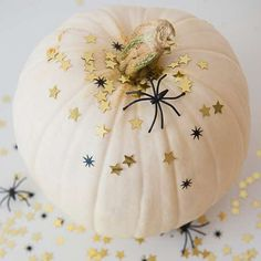 white and gold pumpk