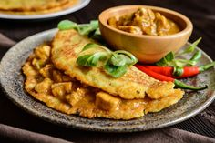 Bravčové soté v zemiakovej placke | Recepty.sk Thai Red Curry, Hummus, Waffles, Food And Drink, Cooking Recipes, Menu, Yummy Food, Chicken, Breakfast