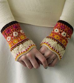 Knitting Gloves Pattern Colour Ideas For 2019 Crochet Mittens Pattern, Knit Mittens, Knitted Gloves, Knit Crochet, Small Knitting Projects, Knitting Designs, Knitting Patterns, Crochet Patterns, Fair Isle Knitting