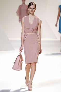 Elie Saab Spring 2013 Ready-to-Wear Fashion Show - Tilda Lindstam