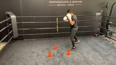 Boxer Workout, Boxing Training Workout, Mma Workout, Kickboxing Workout, Gym Workout Tips, Boxing Techniques, Martial Arts Techniques, Self Defense Moves, Self Defense Martial Arts