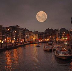 BD Bucket List - Full Moon in Amsterdam, Netherlands (by Wonderful Places, Beautiful Places, Amsterdam Photography, Magic Places, I Amsterdam, Amsterdam Netherlands, Amsterdam Travel, Red Light District, Beautiful Moon