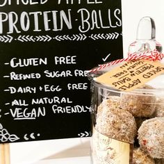 🍁Spiced apple protein balls 🍎 .. 🌾 G L U T E N  F R E E 🐄 D A I R Y  F R E E 🍁 NATURALLY  SWEETENED 🐣 C R U E L T Y  F R E E 🌱 V E G A N .. INGREDIENTS .. 1 CUP vegan protein powder  Tsp vanilla extract  1/4 cup pepitas  1/4 cup almond meal  1/2 cup shredded coconut ^*^^ or sub for 1 cup gf oats**^^ 1 cup walnuts  5 dates chopped  2 tbsp nut butter Tsp cinnamon, tsp nutmeg 2-3 tbsp almond milk 1 apple - finely chopped. .. METHOD: .. 1. In a blender combine all ingredients (except…