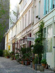 La cité du figuier - Frenchies in Paris