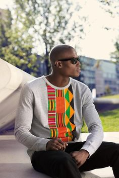 african print dresses Need to make a sweatshirt like this! mrhagan: Mens Kente inspired top by KOKOMINA African Inspired Fashion, African Print Fashion, Africa Fashion, Fashion Prints, African Prints, Ankara Fashion, African Attire, African Wear, African Dress