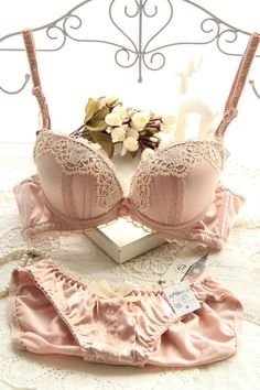 Small chest glossy lace three-breasted lady with adjustable shims gather bra set sexy lingerie fashion bra set intimates winter   Sexy Japanese Lingerie