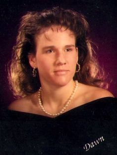 12 Ways To Achieve The Very Best Glamour Shot. I wanted to go to Glamour Shots for years! Probably the entire 90s decade.  Now, I'm pretty glad it never happened. These are awesomely bad!