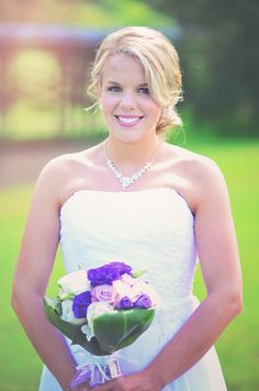 wedding day ready: bride: 85mm Nikon: getting married: purple bouquet; Oregon photographer Shabby Bedroom, Entry Hallway, Video Wall, Home Decor Kitchen, Home Decor Styles, Color Inspiration, Modern Decor, Getting Married, Wedding Day